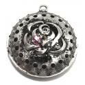 Pendente Metal Redondo com Rosa - Prateado (50 mm)