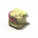Conta de Porcelana Cubo - Creme (6 mm)