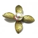 Pendente Metal Flor com Pérola - Dourado (55 mm)