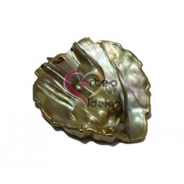Pendente Madrepérola Folha Parra 2 - Natural com Dourado (58x53mm)