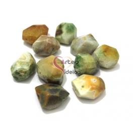 Pedra Semi-Preciosa Irregular Esverdeadas (aprox. 35mm)