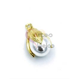 Pendente AQ Perola Alongada Capa Floral - Dourado (20x12mm)