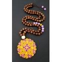 Colar Madeiras com Mandalla Amarelo e Violeta